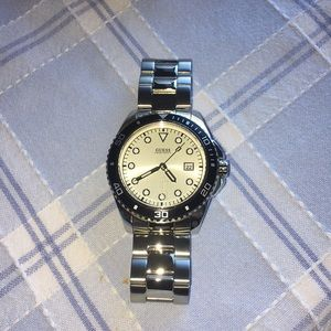 NEW- Guess Mens silver and Black Watch